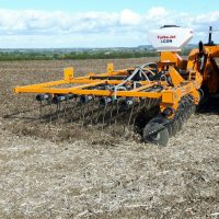 Cultivation at C&O - Mzuri Rezult - Linkage Mounted Straw Rake